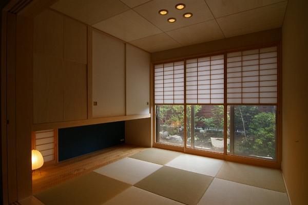 寄り添って暮らすほど良い距離感の二世帯住宅・建築家の自邸竣工写真 Akatuki House A