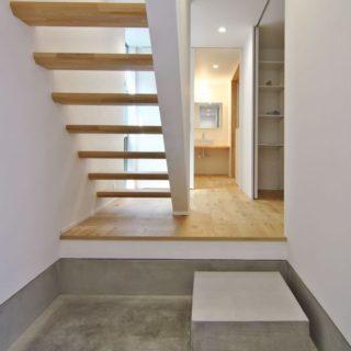 すっきりとした階段