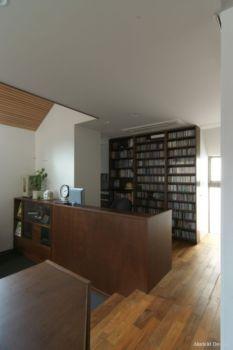 houseinlibrary012