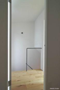 シンプルな階段手摺